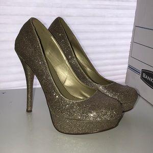 Gold Sparkly Heels!